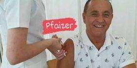 Sevdai Radogoshi merr dozën e vaksinës Pfizer