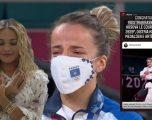 Emocionon Rita Ora, uron në shqip Distria Krasniqin për medaljen e artë