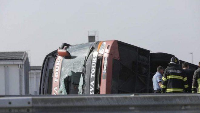 Zjarrfikësit që shpëtuan pasagjerët e autobusit: Asgjë nuk mund t'iu përgatisë për këtë tragjedi