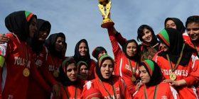 """""""Shpëtoni shoqet e mia të ekipit"""", kapitenia e ekipit afgan të futbollit për femra u bën thirrje FIFA-s"""