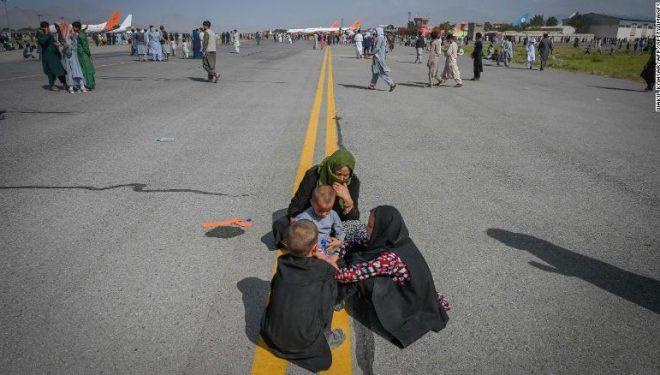 Një shqiptare e bllokuar në Kabul, amerikanët po provojnë për ta nxjerrë