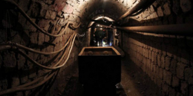 Humb jetën 20 vjeçari duke punuar në minierë