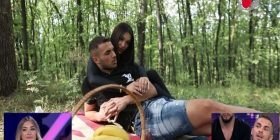 Kosovari jep puthje dhe ledhatime në takimin e parë me Adën