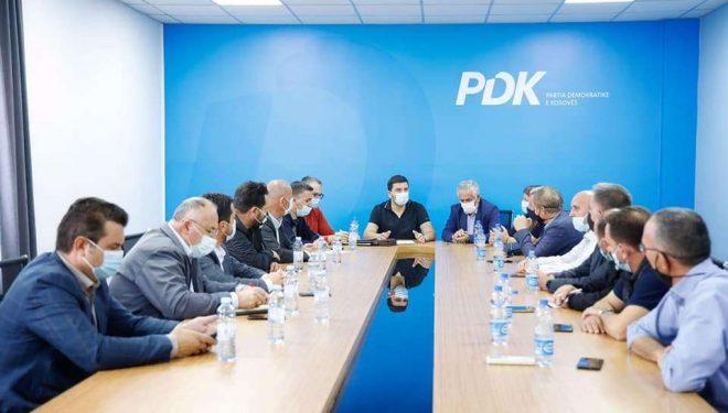 Krasniqi takon kandidatët për kryetar komunash: Duke respektuar rregullat e pandemisë shpalosni vizionin me fokus aspiratat e qytetarëve