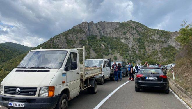 Ministria e Punëve të Brendshme apel qytetarëve që t'i evitojnë pikat kufitare në Bërnjak dhe Jarinjë