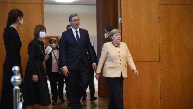 Merkel: Ballkani ka rrugë të gjatë drejt BE-së