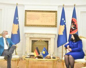 Osmani në takim me ambasadorin gjerman: Me veprime nxitëse, Serbia po tenton ta destabilizojë veriun e vendit