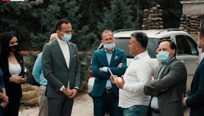 "Alban Hyseni viziton resortin ""Kulla e Gjinajve"""