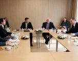 Lajçak përpiqet në Prishtinë dhe Beograd për një takim Kurti-Vuçiq