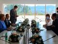 Fillon takimi i Kurtit me kancelaren Angela Merkel