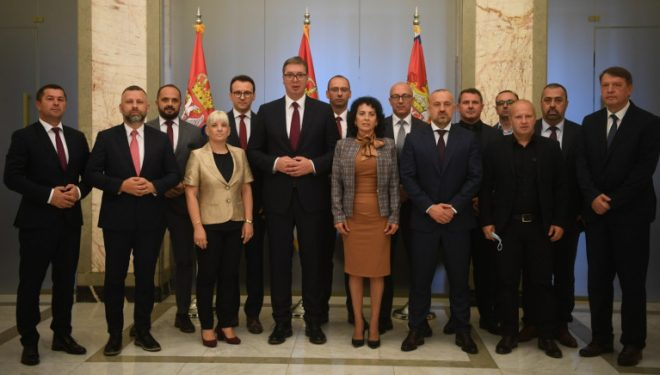 Rakiq: Lista Serbe dhe kandidatët për kryetarë morën mbështetjen e Vuçiqit