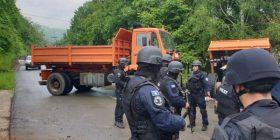 Ish anëtari i Partisë Socialiste të Shqipërisë krahason policët e Kosovës me ushtrinë e Millosheviçit