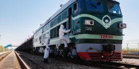 Porti kufitar Xinjiang trajton 4900 trena mallrash Kinë-Evropë